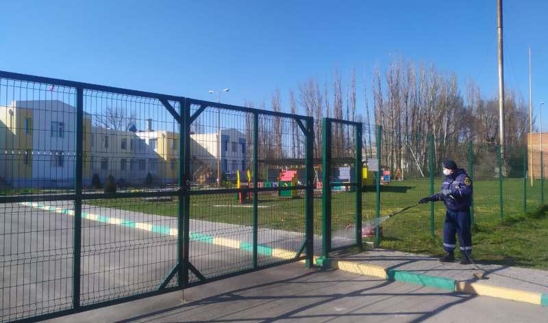 Продолжается санитарная обработка общественных территорий г.Шахты (ВИДЕО)
