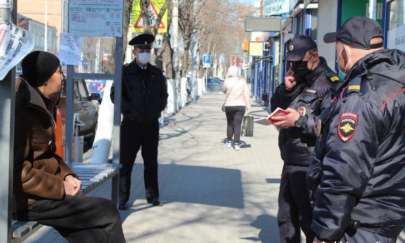 Более 100 человек патрулируют улицы города Шахты