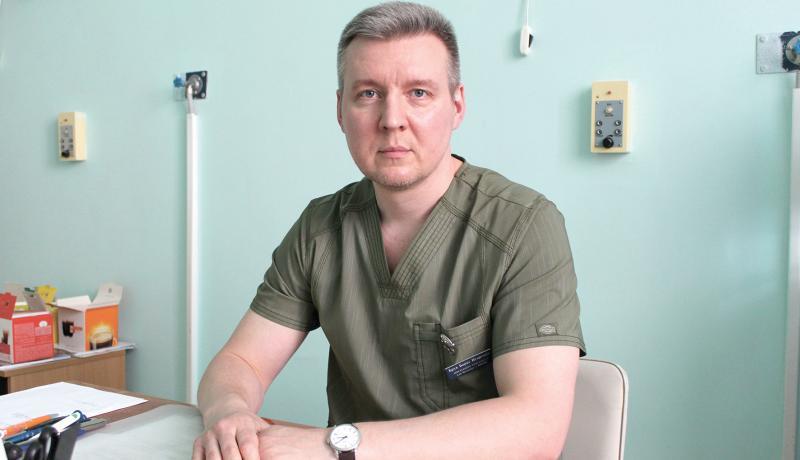 10 лет кандидат медицинских наук Борис Брук возглавляет неврологическое специализированное отделение