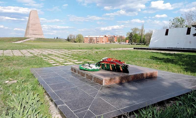 В Шахтах на мемориале «Жертвам фашизма» прошла медиаэкскурсия (ВИДЕО)