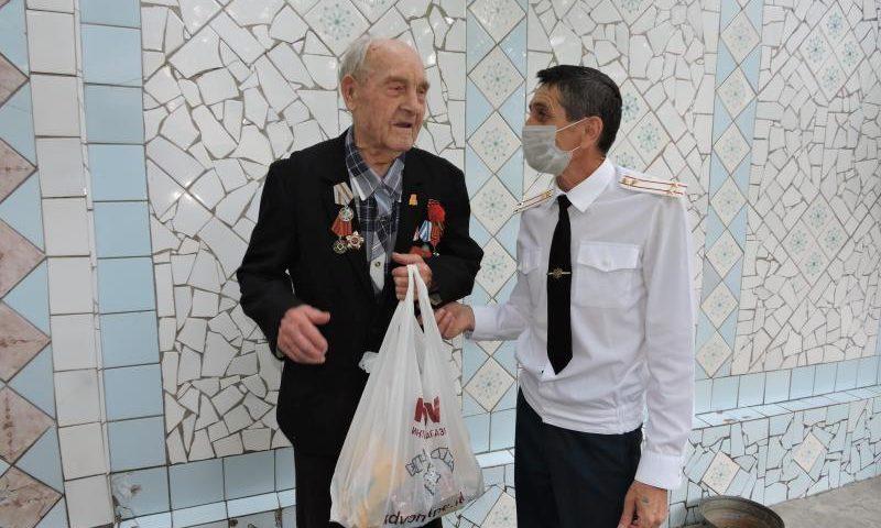 Председатель Совета ветеранов г. Шахты Александр  Пятаков посетил участников войны