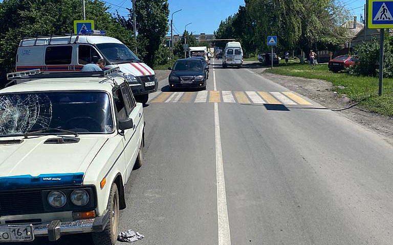 В Шахтах 80-летний водитель автомобиля «ВАЗ» сбил пенсионерку на пешеходном переходе