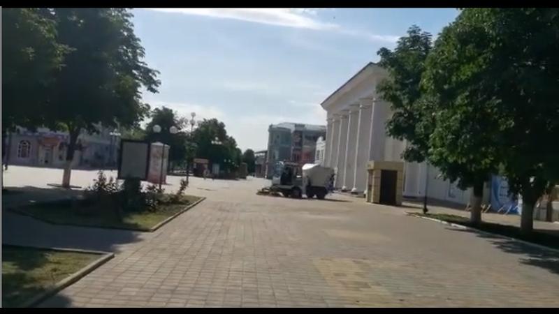 В Шахтах продолжается благоустройство пешеходных территорий