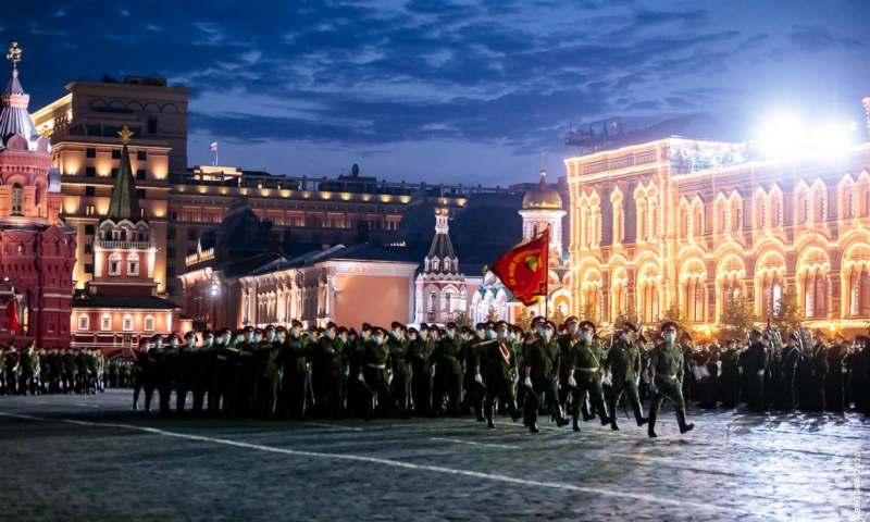 Шахтинцы принимают участие в Параде Победы (ФОТО, ВИДЕО)