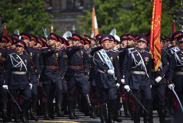 Шахтинские казаки приняли участие в Параде Победы на Красной площади [ВИДЕО]