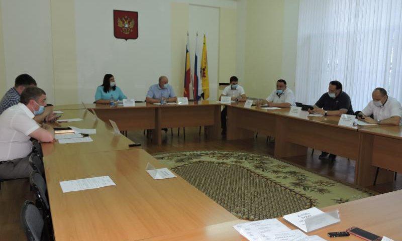 На заседании комитета по ЖКХ подвели итоги за полугодие