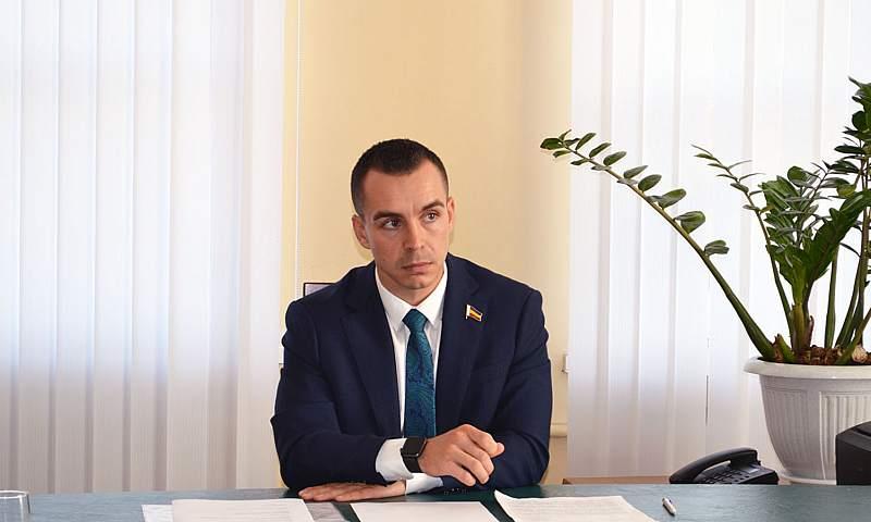 15 июля депутат Заксобрания области Евгений Понамаренко проведет дистанционный прием граждан