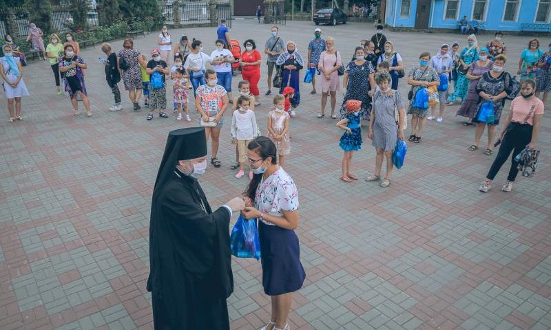 На Соборной площади города Шахты чествовали многодетные семьи