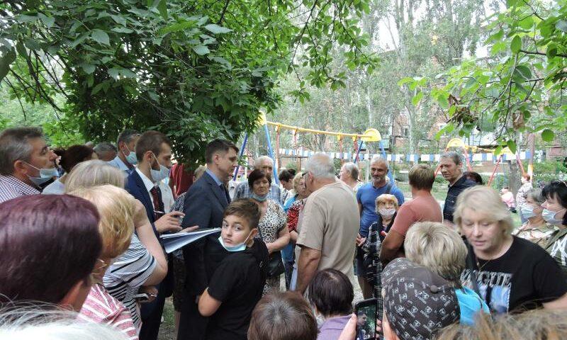 В поселке Машзавод прошла информационная встреча администрации г. Шахты с жителями