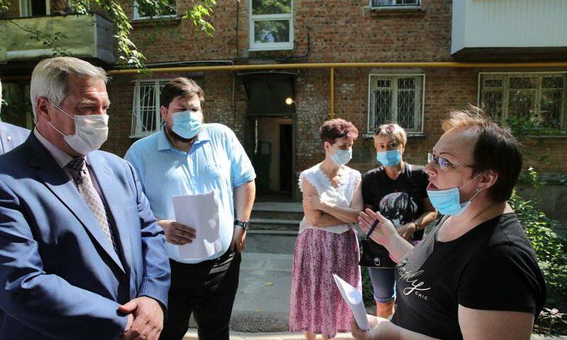 Дончане оценили работу управляющих компаний