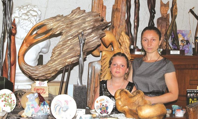 Виктория Рогова хочет увековечить имя своего мужа, художника Владимира Рогова