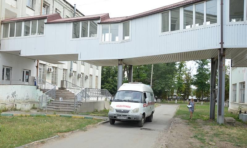В Шахтах скончались два пациента провизорного отделения и одна пациентка ковидного госпиталя