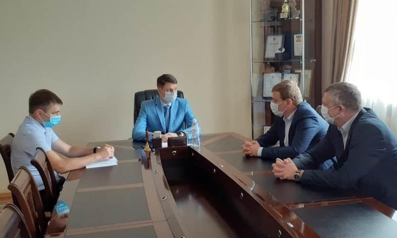 Глава администрации Андрей Ковалев встретился с руководством ООО «Шахтинская керамика»