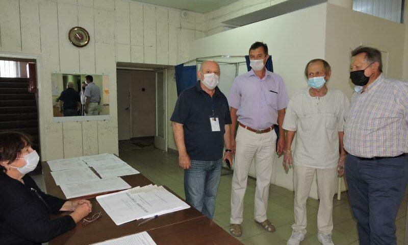 Общественники провели рейд на избирательных участках г. Шахты