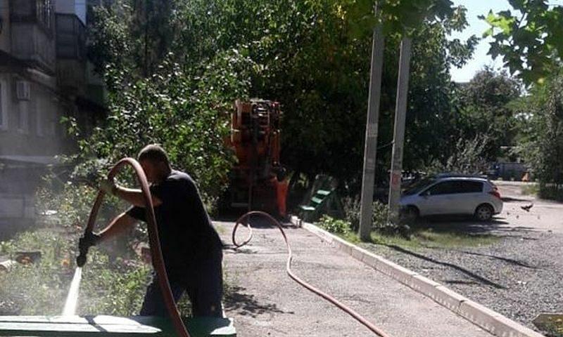 В городе Шахты  продолжается промывка и капитальная прочистка системы водоотведения