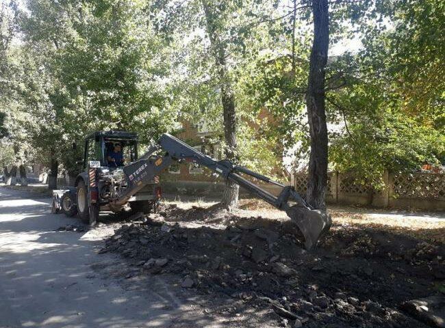 Начат ремонт дороги по улице Космическая в поселке Машзавод г. Шахты