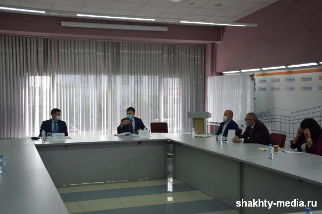 В Шахтах прошла встреча с руководителями средних и малых предприятий