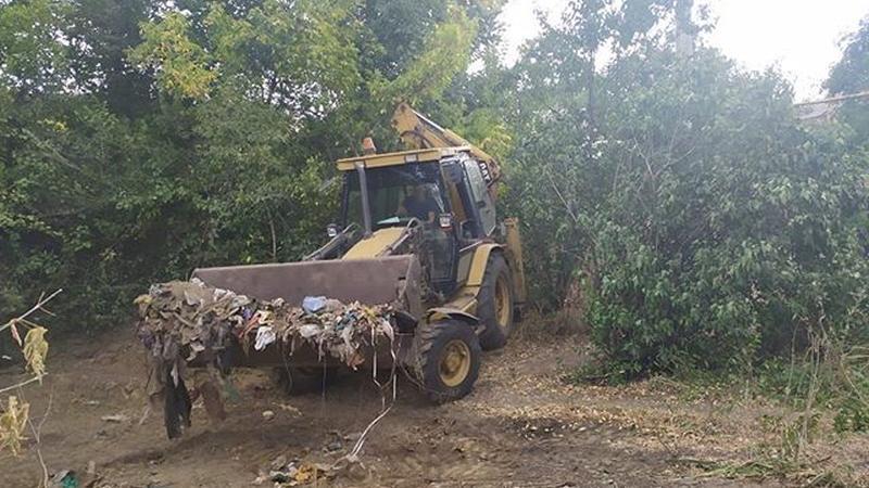 В Шахтах ведутся работы по уборке свалочных очагов