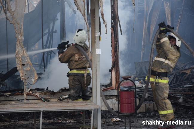 На Суворовской сгорело два бесхозных строения