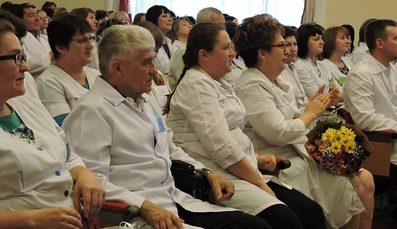 «Шахтинские известия» проводят конкурс «Любимый медработник-2020»