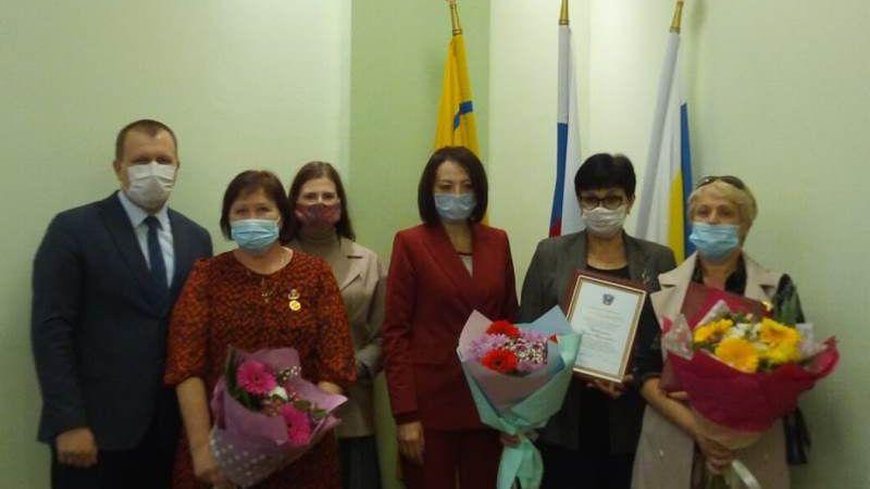 Сотрудникам ЦСО №1 вручены губернаторские награды