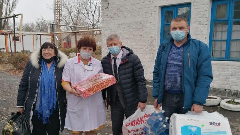 Женсовет города Шахты поздравил сотрудников медучреждений с Днем матери