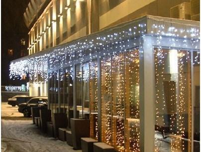 Шахтинцы украсят витрины магазинов к Новому году
