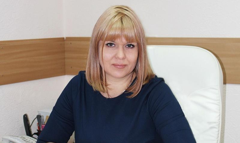 Выпускники поздравили директора РЦ «Добродея»