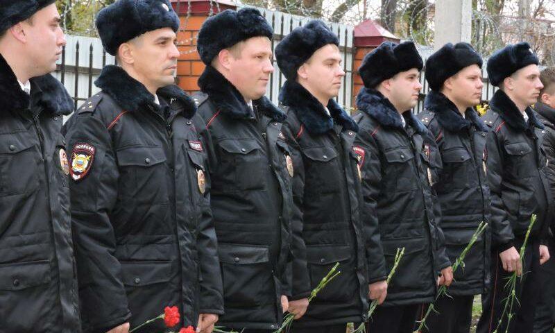 Сегодня шахтинские полицейские отмечают профессиональный праздник