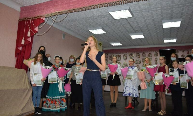 В Шахтах  воспитанники Школы искусств удостоены стипендий  администрации города